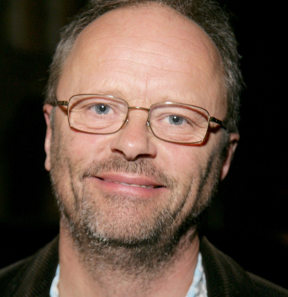 robert llewellyn net worth